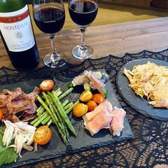 ミョウガ/アスパラ/生ハム/ジャガイモのガレット/おうちごはん/おうちカフェ 昨日は、お昼ご飯が遅かったので夜はおつま…
