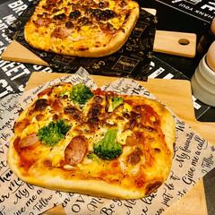 ココット/ピザ/手作りピザ生地/キッチン雑貨/おうちカフェ 昨日は夕方から娘と一緒にピザ作り😊 焼き…