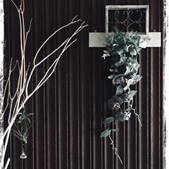 グリーン/雑貨/100均/セリア/インテリア/玄関 玄関の壁にディスプレイしてあります。夏が…