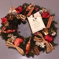去年のクリスマスリース/リース/プリザーブドフラワー/クリスマスリース/雑貨/ハンドメイド/... 昨年のクリスマスリース。 唐辛子の褪色は…(1枚目)