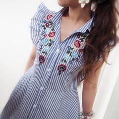 ストライプ/刺繍/ワンピース/夏コーデ/ファッション 刺繍のワンピース♡ お袖のフリルを甘くさ…
