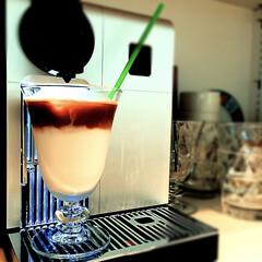 アーモンドミルク/カフェラテ/モーニングコーヒー/オールミルク/エスプレッソショット おはようございます
