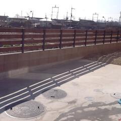フェンス/木製/大津市/アルミ 既製品のフェンスで無く 柱はアルミ角材6…