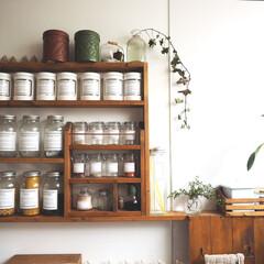 スパイスラック/カフェ風/見せる収納/調味料/DIY/スリム収納/... 狭いキッチンで使えるようにDIYしたスパ…