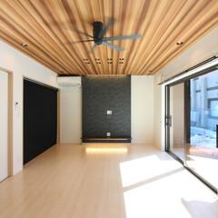 リビング/LDK/ダイニング/アクセント壁/ロールスクリーン/サッシ/... 注文住宅だからできた欲しい場所への造り付…(1枚目)
