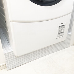 洗濯機/洗面所/防水パンカバー/DIY/住まい/掃除 洗濯機の防水パンのホコリが掃除しにくいの…(1枚目)