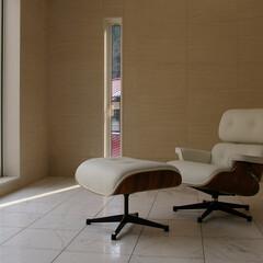 不動産・住宅/LOUNGECHAIR/イームズラウンジチェア&オットマン 清潔感のあるホワイトレザーのイームズラウ…