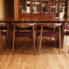 不動産・住宅/Table/Chair/エルボーチェア 抜け間があるエルボーチェアは沢山並べて…