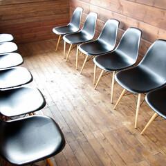 飲食/Chair/シェルチェア スタイリシュなシェルチェアは並べて使用し…