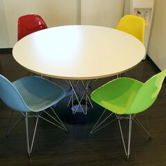不動産・住宅/Chair/Table ウッド脚とはまた違い、ステンレス脚のシ…