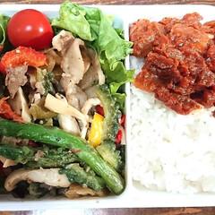 トマトソース/野菜弁当/弁当日記/ダイエット弁当? 〰️明日の弁当〰️  右:ご飯と濃縮トマ…