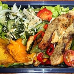 炭水化物抜き/弁当日記/ダイエット弁当 〰️明日の弁当〰️  ・昨日のワカメ酢に…