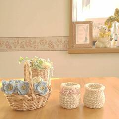 小瓶風ミニフラワーベース/かぎ針編みの小花/かぎ針編み/雑貨/住まい/暮らし 小瓶風ミニフラワーベースを編みました❤️…