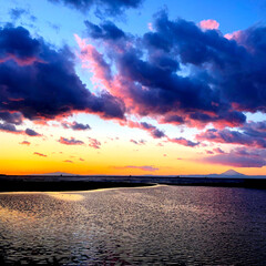 海/富士山/帰り道/綺麗/景色/夕焼け 今日は仕事場まで運動がてら歩いて出勤☆ …