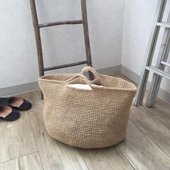 編み物/手作り/麻ひもバッグ/手芸/雑貨/収納/... 麻ひもで編んだバッグ 1玉200円程度で…(1枚目)