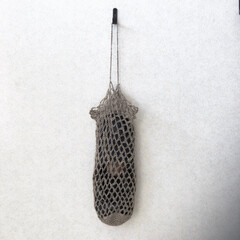 リネン/麻ひも/ネット編み/バブーシュ/雑貨/収納/... バブーシュ入れ 麻ひもをネット編みしてバ…