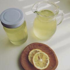 甘いもの/レモン/レモンシロップ/ハンドメイド レモンシロップ レモン🍋をよく洗って、 …