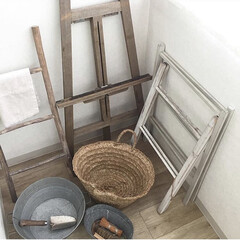 たわし/洗濯カゴ/バケツ/はしご/イーゼル/雑貨/... お掃除のため、端っこに追いやられたモノた…