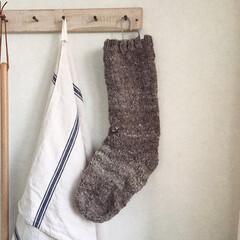 羊毛/手紡ぎ/靴下/手編み/冬/おうち/... 羊毛を手で紡ぎ編んだ靴下です。 コリデー…
