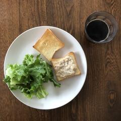 サンドウィッチ/朝ごはん/ツナトースト/春のフォト投稿キャンペーン/おうちごはんクラブ/わたしのごはん ツナトーストにはまってます。 ツナ缶+玉…