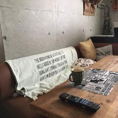 壁紙屋本舗/マルチカバー/古材テーブル/住まい/セリア/ニトリ 今日は息子のお漏らしで目が覚めてしまった…