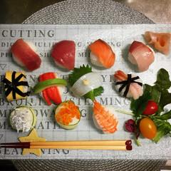 手毬寿司/七夕ご飯/カッティングボード/3COINS/おうちごはん/キッチン雑貨 七夕 なので手毬寿司 っぽいの作ってみた…