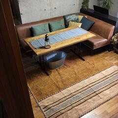 古材テーブル/ラグ/秋冬インテリア/インテリア 涼しくなってきたので、ホットカーペットひ…