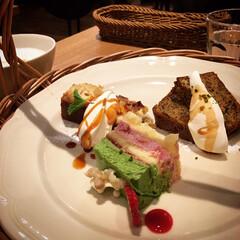アフタヌーンティー/シャトーブリアン 久しぶりに都会に出て、友達と美味しいお肉…(3枚目)