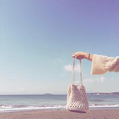 海散歩/White/ハンドメイドバッグ/BEACH/海/森戸海岸/... あたたかい一日でした。  お友達が作るバ…