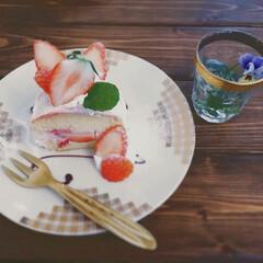 カフェ好き/カフェ巡り/パウンドケーキ/イチゴ/カフェ/おでかけ/... いちごのパウンドケーキ🍓 パウンドケーキ…