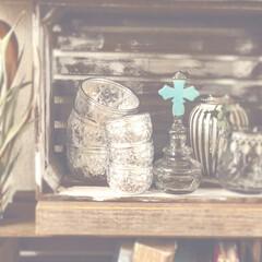 雑貨好き/コレクション/木箱/香水瓶/クロス/アルミ器/...  アルミとシルバーカラーをあつめたコーナ…