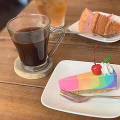 カフェ好き/カフェ巡り/ケーキ/レインボーチーズケーキ/Cafe/おでかけ/...  ランチの後は珈琲とデザート🍰 レインボ…