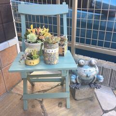 椅子DIY/トップコートクリア/ミルクペイントforウォール/ミルクペイント/ペイント/DVD収納/... 外に置いている椅子はパパが中学の頃作った…