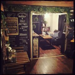 フェイクグリーン/おうちBAR/おうちcafé/DIY/賃貸/目標は倉庫café風/... サイフォンコーヒーが沸くのを待ちながらぱ…