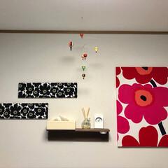 ファブリックパネル/フライ/ポテトサラダ/マリメッコ/インテリア/フード/... おはようございます😊 寝室の 壁に  フ…
