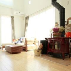 新築/不動産・住宅/滋賀県/薪ストーブ/暖炉 赤の薪ストーブがとても素敵なお家です♪
