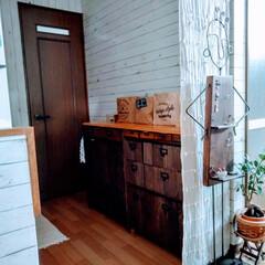 リメイクシートで大変身 キッチンの壁にリメイクシートで模様替え!…