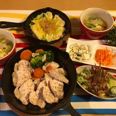 ポテトサラダ🥗/明太子豆腐ステーキ/チキン塩焼き/ほうれん草のお浸し/人参ラペ/セロリの浅漬け 大人の夕飯🍴 ゆっくりお酒のみましょう🧡…