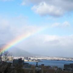 ブルー 青い空と青い湖に虹!最高😃⤴️⤴️