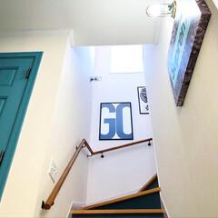 アメリカンスイッチ/マリンランプ/シュプリーム/トイレ/階段/ドア/... 困った時の寝そべりショット。 インスタグ…