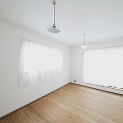 無垢フローリング 子供部屋は広くとって収納も沢山。
