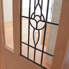 ステンドグラス/ドア/メープル/框組/リビングドア イギリスのカラーレスのステンドグラスをは…