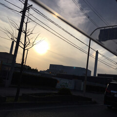 風景 車で帰り道こんなに大きな太陽??その後……