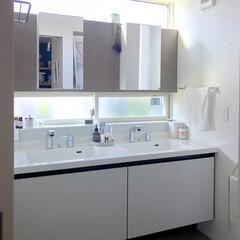 2ボウル/ルミシス/リクシル/洗面台/洗面所/インテリア/... 2ボウルの洗面台☺︎ 上下2箇所の窓で明…