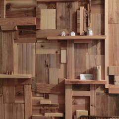 木材リサイクル/壁ⅮIY 端材のパッチワーク風・・・小さな出っぱり…