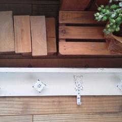 ⅮIY/インテリア/わたしの手作り/白インテリア/ハンドメイド木工/100均雑貨/... お気に入りの真っ白 雑貨で… 真っ白 壁…