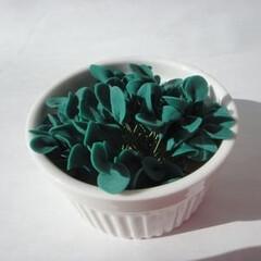 ミニチュア葉っぱ/葉っぱ/ミニチュア ミニチュアの葉っぱです。2色あります。