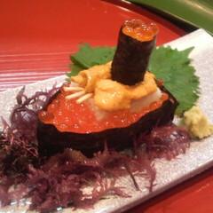 寿司/軍艦巻き/美味しい/楽しい/宮崎/おいしいつまみ ウニとイクラを使った軍艦巻きです。 図面…