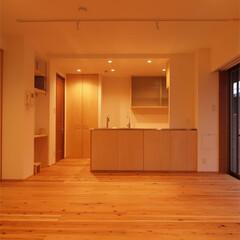 杉床と広々とした造作キッチンのある.../リノベーション/リフォーム/マンション/部分リフォーム/LDK/... ■吊り戸を撤去し、開放的なキッチンに■ …