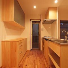 杉床と広々とした造作キッチンのある.../リノベーション/リフォーム/マンション/キッチン/造作キッチン/... ■現場造作のキッチンと背面収納■  奥行…